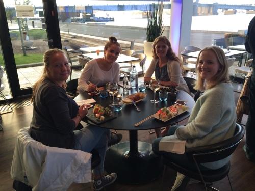 Dagen ble avsluttet i Aalborg og vi koste oss med sushi til middag!